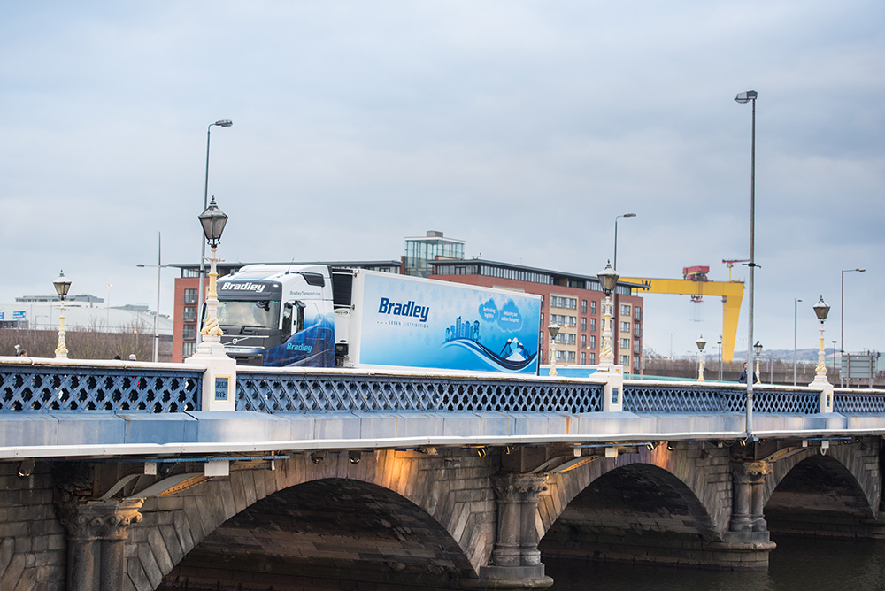 bradley-transport-urban-distribution-trailer-belfast-city-centre-lagan-bridge