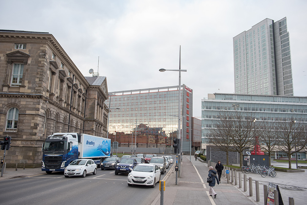 bradley-transport-urban-distribution-trailer-belfast-city-centre-custom-house