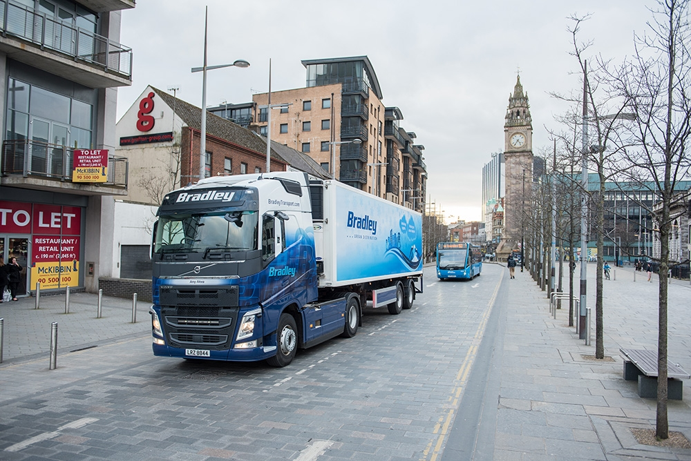 bradley-transport-urban-distribution-trailer-belfast-city-centre-albert-clock-2